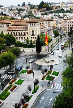 Avenida de la Constitución. (vía flickr) Granada Cf, Granada Andalucia, Andalusia Spain, Granada Spain, Beautiful World, Beautiful Places, Fall City, City Aesthetic, Walking Tour