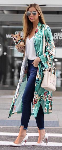 woman in teal and white floral cardigan walking street while ho. - outfits , woman in teal and white floral cardigan walking street while holding adult brown Chihuahua. Pic by Style it With Trix Spring Outfits Women, Fall Outfits, Summer Outfits, Casual Outfits, Fashion Outfits, Womens Fashion, Fashion Trends, Dog Fashion, Fashion Inspiration