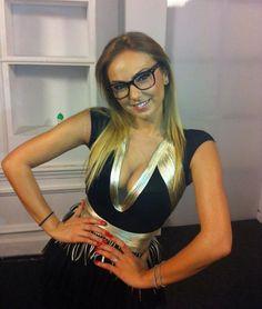 Roxana Ionescu Geek Chic, Geek Stuff, Fashion, Geek Things, Moda, Fashion Styles, Fashion Illustrations