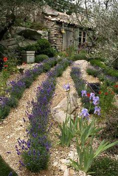 Shabby soul: Sunday garden - L'Occitane garden