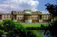 Buckingham Palace gardens