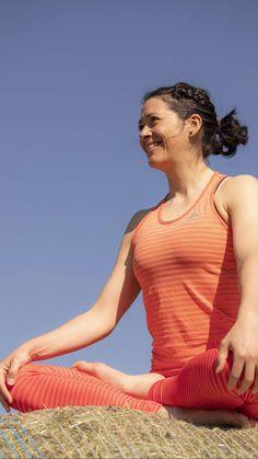 Mini Retreat: Yoga & Running Starte motiviert in den Frühling mit einem regelmässigen Lauftraining. Du liebst die Natur und schnürst immer wieder gerne deine Laufschuhe an? Bist du vertraut mit Yoga und Meditation? Bist du offen, Neues zu entdecken? Finde die Balance zwischen Anstrengung und Entspannung. Die ideale Kombination von Muskelkraft und Flexibilität minimiert das Verletzungsrisiko und Yoga und Meditations-Elemente helfen dir, den mentalen Fokus zu schärfen und Atmung zu verbessern.