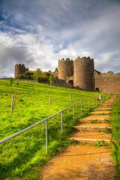 ✮ Conwy Castle Wales was built between 1283 and 1289 during King Edward I's second campaign in North Wales
