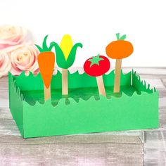 Allotment This mini craft is great to teach kids about growing vegetables!This mini craft is great to teach kids about growing vegetables! Fruit Crafts, Plant Crafts, Garden Crafts For Kids, Diy Garden Projects, Kid Garden, Vegetable Crafts, Vegetable Design, Educational Crafts, Craft Free