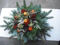 "Dušičková kytice menší ""buchta"" Christmas Deco, Christmas Wreaths, Funeral Flowers, Winter Wonderland, Advent, November, Holiday Decor, Crafts, Home Decor"