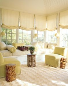 Buttercup yellow windowseat come window bed under colonial bar windows and buttercup yellow blinds. Just lovely! #windowseat #blinds #windows