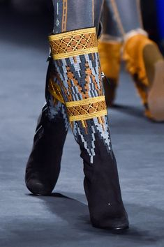 Anna Sui at New York Fall 2015 (Details)