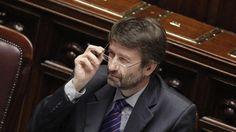 """L'annuncio del ministro Franceschini che polemizza con le opposizioni: """"Nessun accordo con chi ci accusa di marchette e schifezze"""". L'Anci chiede un"""