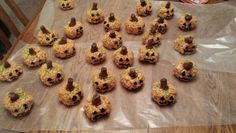 My attempt at recreating Halloween pumpkin treats.  My son's preschool classmates loved them.  Could do fall pumpkins without the face.  2013