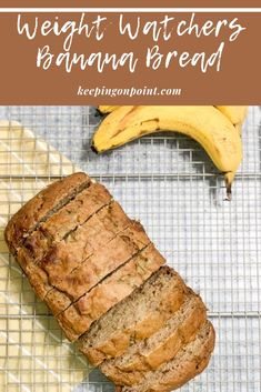 Banana Bread Weight Watchers Banana Bread - only 3 points per serving for blue and purple, 4 points for green! Weight Watcher Desserts, Weight Watchers Snacks, Weight Watcher Banana Bread, Plats Weight Watchers, Weight Watchers Meal Plans, Weight Watchers Breakfast, Weight Watchers Muffins, Banana Recipes, Ww Recipes