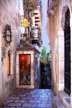 ~~Vicolo in Taormina | Sicily, Italy by Cecile Hoang-Cong~~