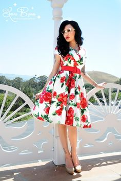 Pinup Couture - 50s Birdie Dress in Red Vintage Floral