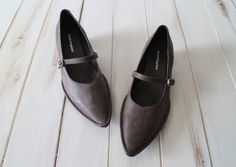 SIZE 7 M Vintage 90s Hush Puppies Deep Chocolate by 601VINTAGE