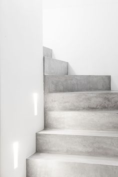 Concrete candleholders inspired by plumbing pipes home for Escaleras de cemento para interiores