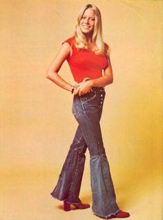 Eve Plumb (aka Jan Brady) in high waist flares Seventies Fashion, 60s And 70s Fashion, Vintage Fashion, Vintage Outfits, Vintage Pants, Eve Plumb, 70s Mode, The Brady Bunch, Thats The Way