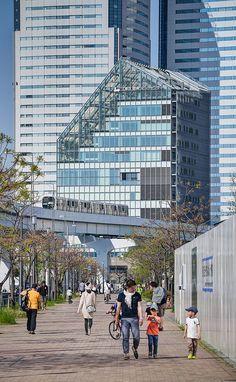 Toyosu Civic Center (江東区豊洲シビックセンター) / Architect : Nikken Sekkei (設計:日建設計).