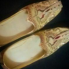 My new pair of nagras. Love 'em. What do u think?  #MOKKSHA #shoes #clothing #indian #traditional #hautecoutore #haute #style #fashion #footwear #gold