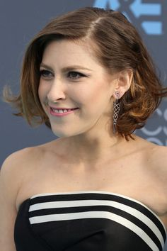 Pin for Later: The Little Things Made Big Statements at the Critics' Choice Awards Eden Sher Wearing Doves by Doron Paloma diamond earrings.