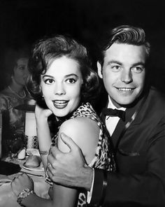 """Natalie Wood and Robert Wagner. """"What kind of Wood doesn't float? Natalie"""" What!?! Ohhh sad. She was awesome"""