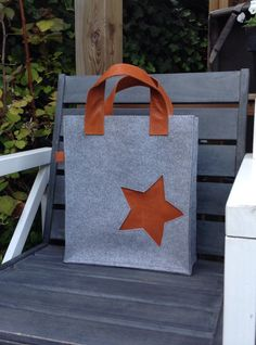 Vilten tas met leer/ felt bag with leather