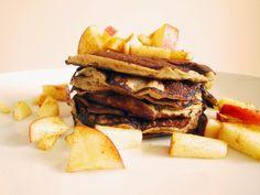 Unglaublich! Hier kommen die einfachsten und zudem wahrscheinlich noch gesündesten Pancakes, von denen du jemals gehört hast! Und dazu sind sie noch gluten- und laktosefrei. Nachdem ich dieses Reze…