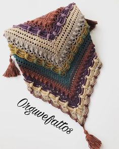 Crochet Square Patterns, Shawl Patterns, Crochet Motif, Crochet Shawl, Crochet Lace, Crochet Stitches, Free Crochet, Knitted Shawls, Crochet Scarves