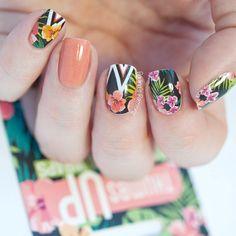Sprinkle Of Glitter #GlitterImages Product ID:2427197184 Tropical Nail Designs, Tropical Nail Art, Nail Designs Spring, Cool Nail Designs, Tropical Flowers, Spring Nail Art, Spring Nails, Summer Nails, Flower Nail Art