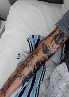Beste Tattoo Arm Mädchen Ärmel Inspiration schwarz Ideen tattoo old school tattoo arm tattoo tattoo tattoos tattoo antebrazo arm sleeve tattoo Full Arm Sleeve Tattoo, Sleeve Tattoos For Women, Tattoos For Guys, Nature Tattoo Sleeve Women, Black Sleeve Tattoo, Sleeve Tattoo Girls, Cool Girl Tattoos, Anchor Sleeve Tattoo, Ocean Sleeve Tattoos