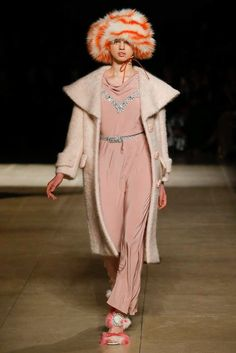 Miu Miu Fall 2017 Ready-to-Wear Fashion Show - Lily McMenamy