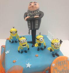 minion graduation | despicable me minion graduation cake