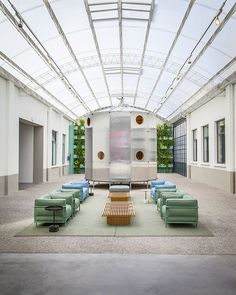Renovations were made to the existing administrative and showroom sections of the Cassina Meda location, adjacent to the factory as the first stage of a complete location renovation. The overall internal design concept was to keep the elements found in the new Cassina stores, and carry over these colors and themes as well as the …