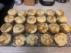 fb6625c9ca686971b560c8cbb6f24188 Pumpkin Cream Cheese Muffins, Pumpkin Spice Muffins, Pumpkin Cream Cheeses, Weight Watchers Muffins, Weight Watchers Pumpkin, Muffin Recipes, Baking Recipes, Ww Recipes, Skinny Banana Bread