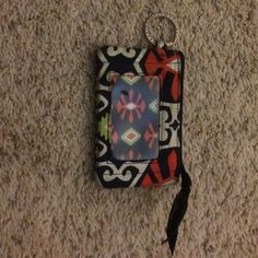 Small Vera Bradley card holder Great condition - works for cards and can connect with key chain Vera Bradley Accessories Key & Card Holders