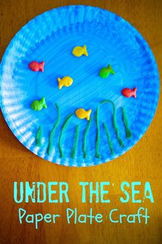 Under the Sea Ocean Paper Plate Craft for Preschool kids - great for Dr. Seuss day, beach themed parties and activities, ocean science lessons, etc. SUPER simple for daycare and summer camp.