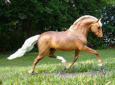 Arlequino model horse from the Brigitte Eberl Resin Gallery