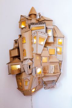 teambuilding carton auvergne teambuilding cardboard auvergne The post teambuilding cardboard auvergne appeared first on Craft Ideas. Cardboard City, Cardboard Sculpture, Cardboard Paper, Cardboard Crafts, Paper Crafts, Cardboard Design, Cardboard Furniture, Paper Clay, Recycled Art