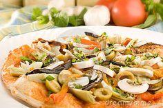 pizza met kidneybonen, paprila ui etc. | Recipes: Vegetarian Pizza ...