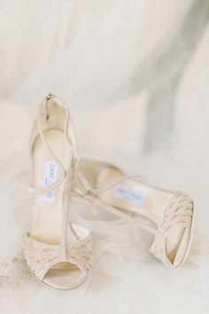gold wedding shoes - photo by Elizabeth Fogarty http://ruffledblog.com/early-summer-wedding-inspiration-with-floral-displays