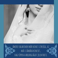 Ami az egyik ember számára már értéktelen, az a másiknak az egész világot jelentheti. És milyen igaz ez esküvők terén is! Jelen pillanatban… Wedding Dress, Pandora, Marvel, Bride Groom Dress, Bridal Gown, Marriage Dress, Wedding Dresses, Wedding Dressses, Wedding Dress Styles