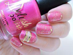 Nailstorming - Holi (Bollywood) nails - Hindu nails - Negative space nails - studs - pink gold stamping nailart