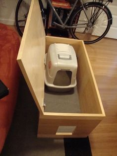 Perfect for small space living with kitty. This is an awesome way to hide your kitty's litter box in a functionable piece of furniture. No more litter box in your laundry room or bathroom! Small Space Living, Small Rooms, Small Spaces, Small Bathrooms, Diy Deco Rangement, Hidden Litter Boxes, Dog Rooms, Cat Room, Cat Furniture