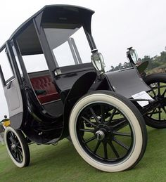 1902 Studebaker Electric Victoria Phaeton.  Studebaker produced  2,000 electric cars from 1902 to 1912.