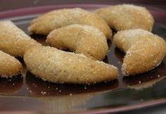 Mandulás-vaníliás kifli Cookie Time, Cookie Desserts, Doughnut, Muffin, Sweets, Cookies, Breakfast, Recipes, Food