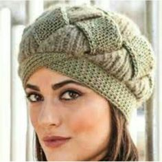 Knitting And Beading Wedding Bridal Accessories and Free pattern: Hat and Beanie Knitted Hats, Knitting Designs, Knitting Patterns, Crochet Winter Hats, Knit Crochet, Crochet Hats, Crochet Flower Patterns, Hats For Women, Crochet Hat Patterns