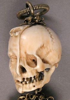 Memento Mori rosary bead