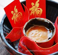 Chinese New Year Ti Kuih (Nian Gao-Sweet Sticky Rice Cake-Kuih Bakul) - Messy Witchen New Year's Desserts, Asian Desserts, Asian Recipes, Dessert Recipes, Ethnic Recipes, Chinese Desserts, Chinese Recipes, Chinese New Year Cookies, Chinese New Year Food