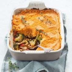 Vegan ovenschotel met zoete aardappel - Leuke recepten Vegan Dinners, Lasagna, Food Inspiration, Vegan Recipes, Vegan Food, Nom Nom, Brunch, Food And Drink, Veggies