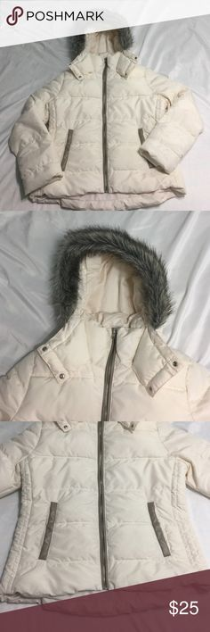 • cream coat • Has minor marks from being used. Hood doesn't come off. 100% polyester. Has 2 front pockets. Old Navy Jackets & Coats Puffers