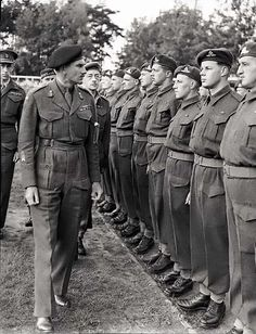 [Photo] Lieutenant General Guy Simonds inspecting II Canadian Corps in Meppen, Germany, 31 May 1945 Canadian Soldiers, Canadian Army, Canadian History, British Army, Ww2 Pictures, Ww2 Photos, Historical Pictures, Lieutenant General, Man Of War