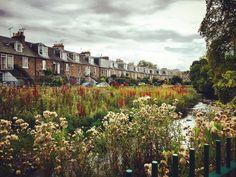 On a pilgrimage to find new books #Edinburgh #Stockbridge #Sunday #walking #river